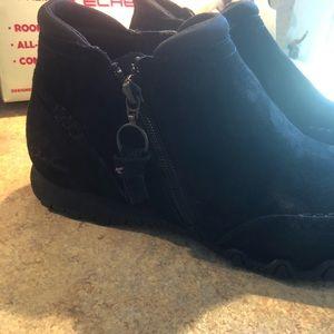 Skechers Shoes - Skechers Zappiest Black Suede Booties size 8.5
